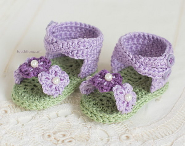 40+ Adorable Crochet Baby Sandals With Free Patterns 2017