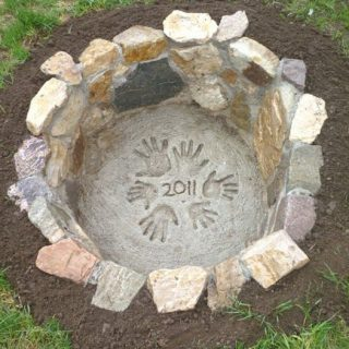 25+ DIY Fire Pit Ideas & Tutorials for Your Backyard