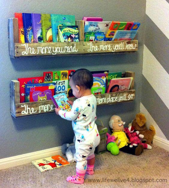 Dr.Seuss Pallet Book Shelf.