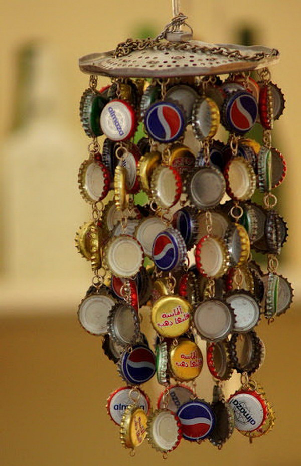 Bottle Cap Wind Chime. Decorative piece to liven up and add a relaxing and beautiful touch to your home or garden. Get the tutorial