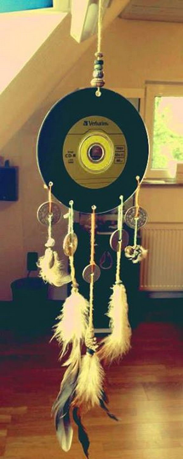 Cool Dream catcher Made from an Old CD.