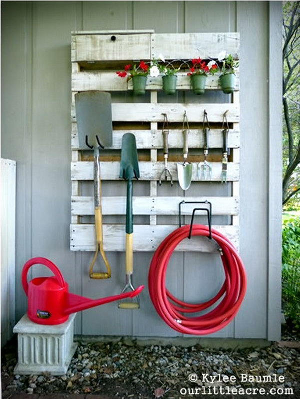 Upcycle the Old Pallet into the Storage Space of the Backyard.
