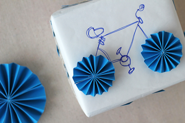 Easy Bike Gift Wrap.
