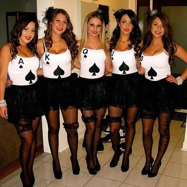 40 girlfriend group halloween costume ideas 2017 diy royalflush pokerhand cards costumes solutioingenieria Image collections