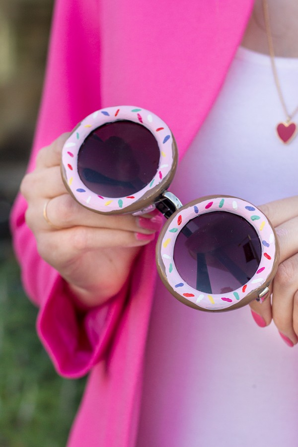 And DIY Donut Sunglasses to Match the Floppy Hat.