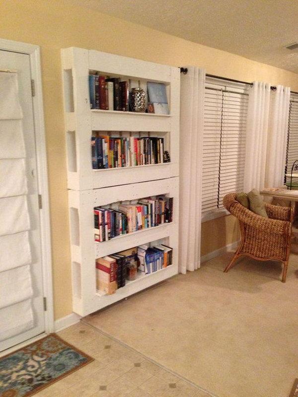 DIY Reclaimed Wood Pallet Book Shelf.