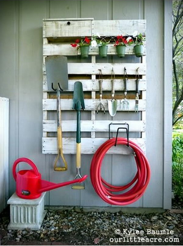 DIY Pallet Gardening Tool Organizer. See the tutorial