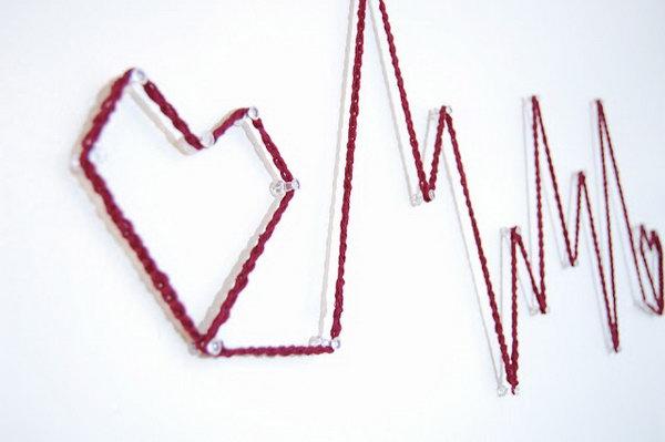 Heart Monitor Wall Art. Get the tutorial