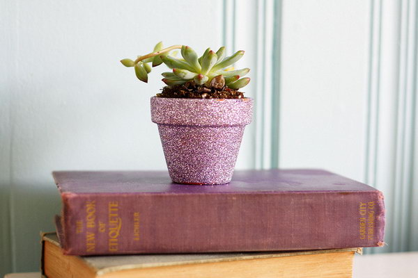 Pink Glitter Plant Pot. See how to make it