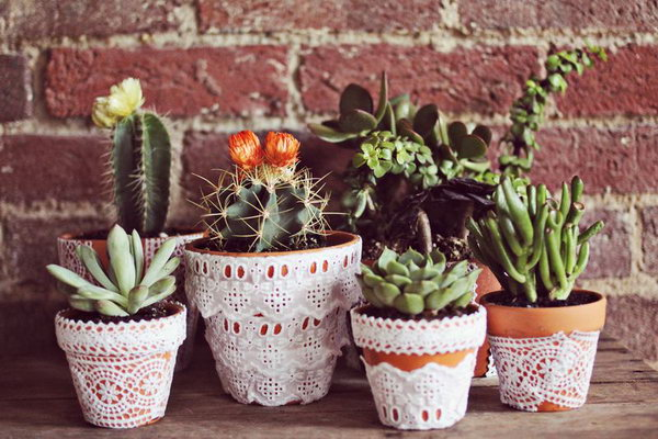 White Lace Plant Pot. See the tutorial