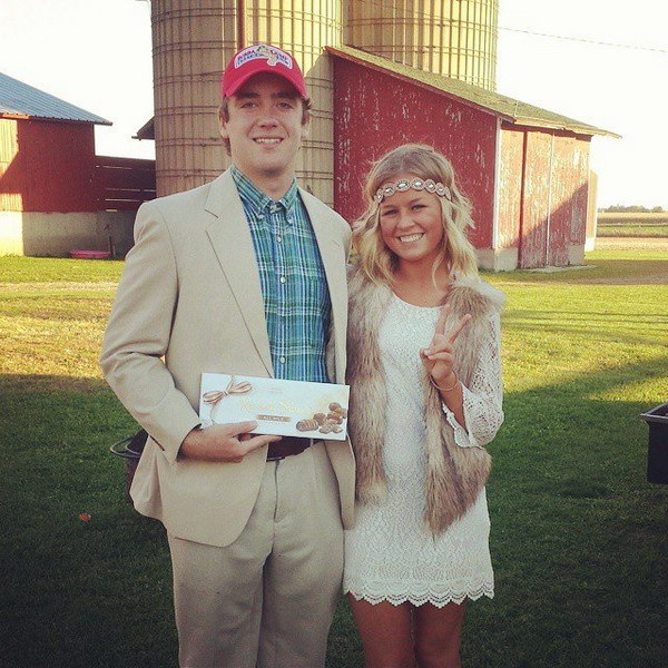 Forrest Gump and Jenny Costumes.